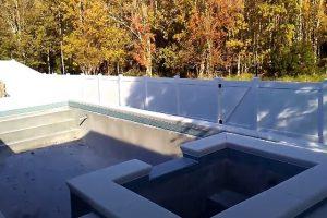Glendale Fence Install a vinyl pool fence